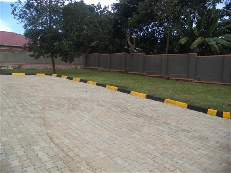 Duplex for rent in Abaitababiri Wakiso