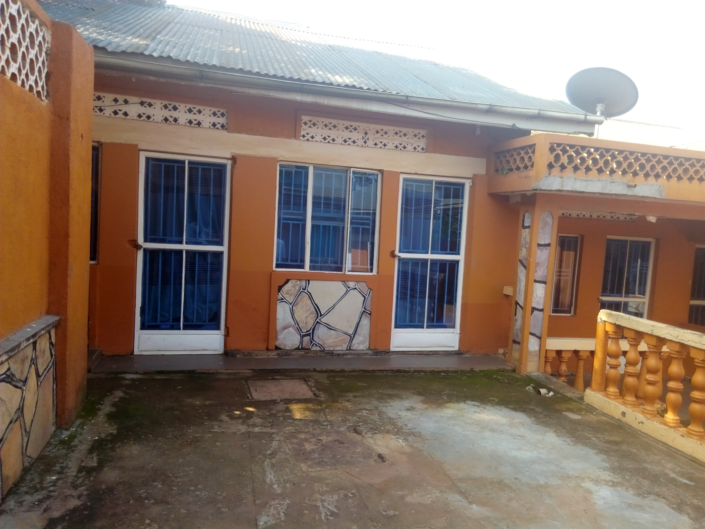 Guest house for sale in Zanna Wakiso
