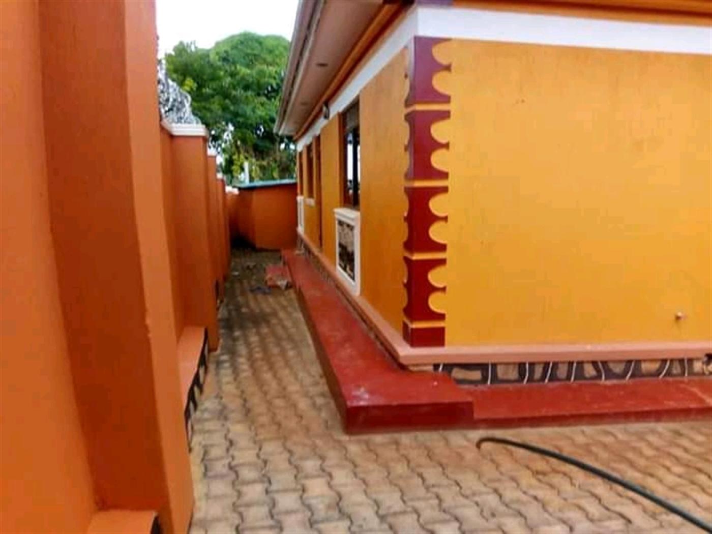 Bungalow for sale in Mukono Wakiso