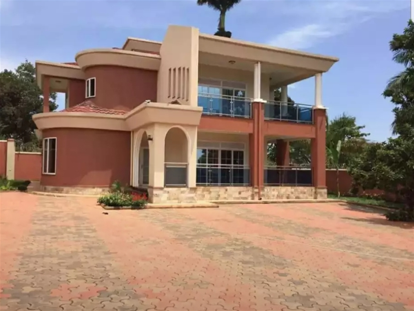 Mansion for sale in Bunga Wakiso