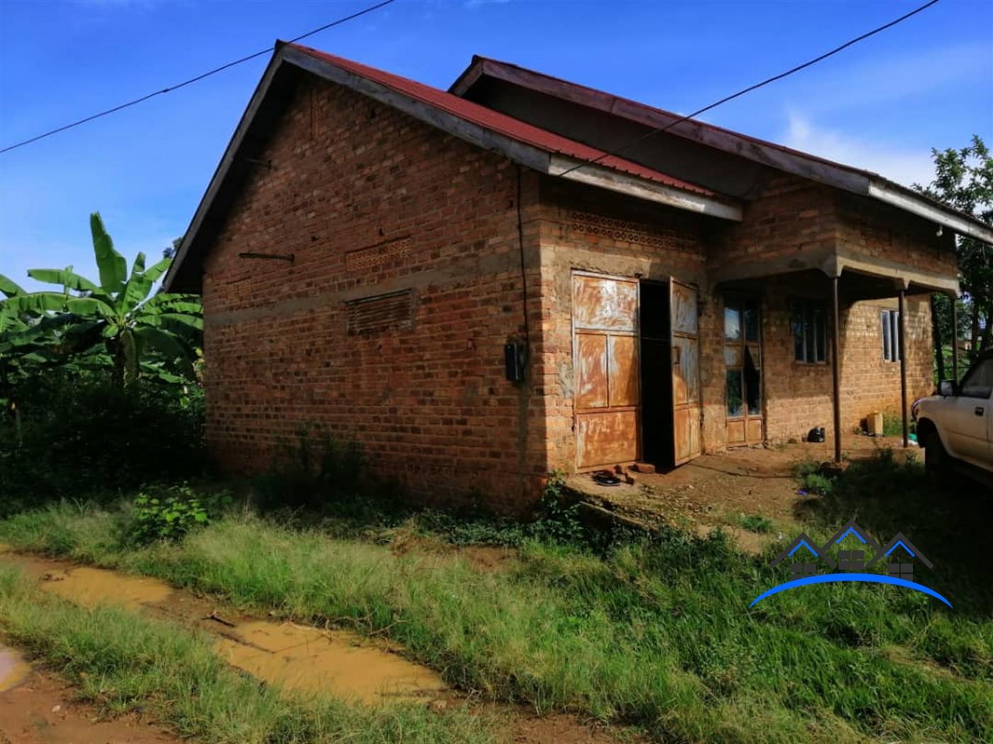 Bungalow for sale in Lukaya Masaka