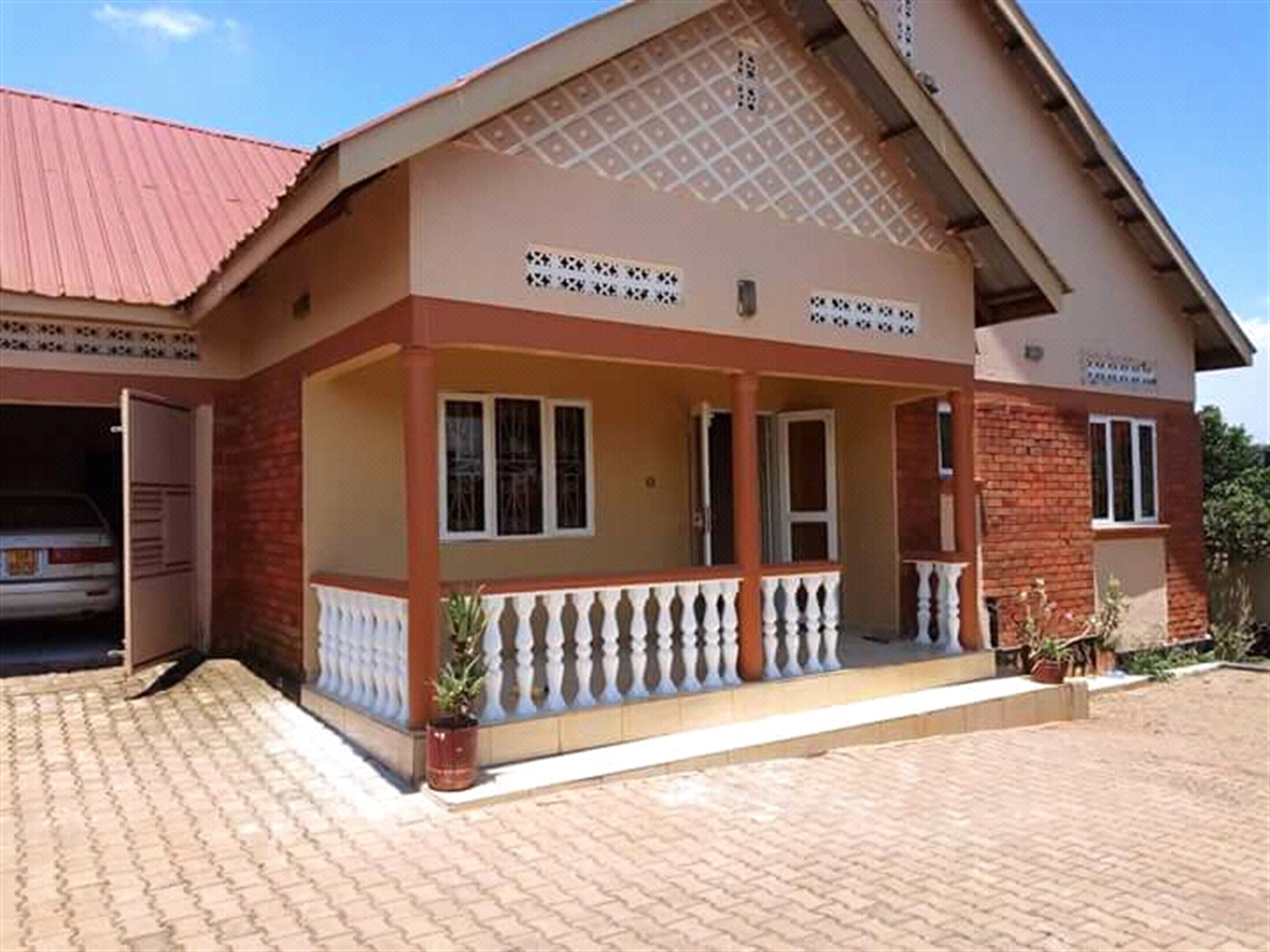 Bungalow for sale in Munyonyo Wakiso