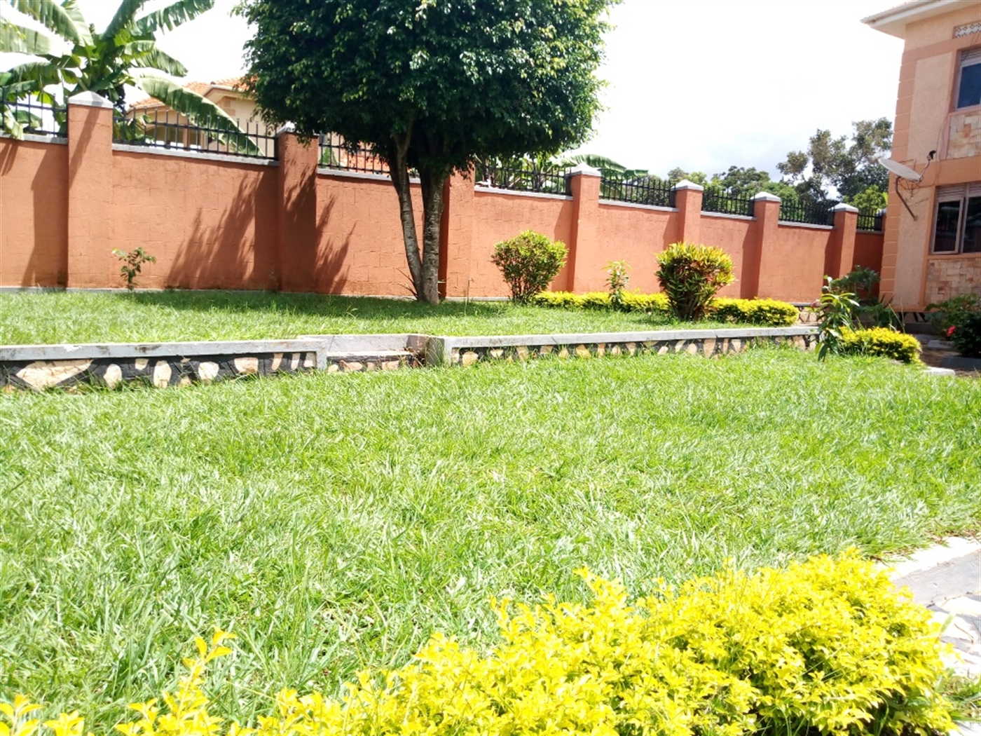 Mansion for sale in Namulanda Wakiso