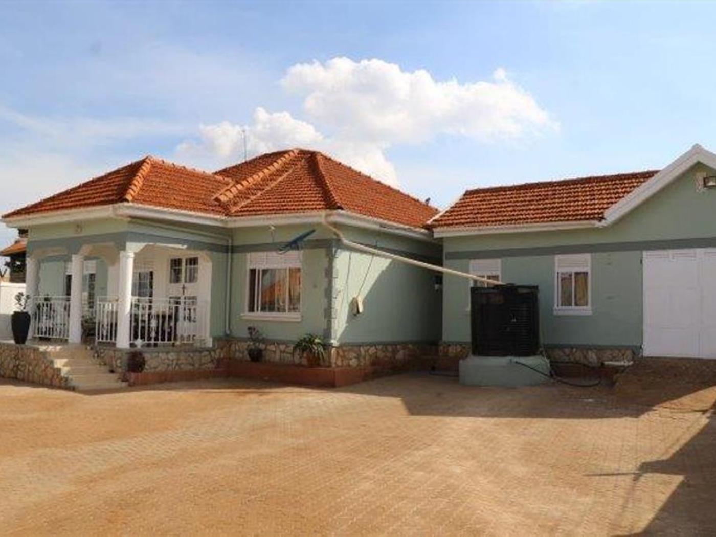 Bungalow for sale in kyajja Kampala