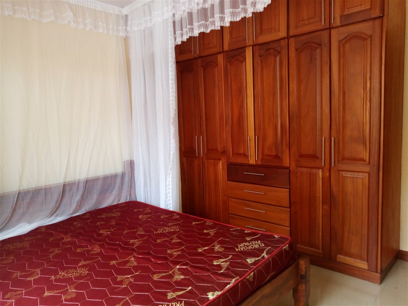 Mansion for rent in Bukesa Kampala