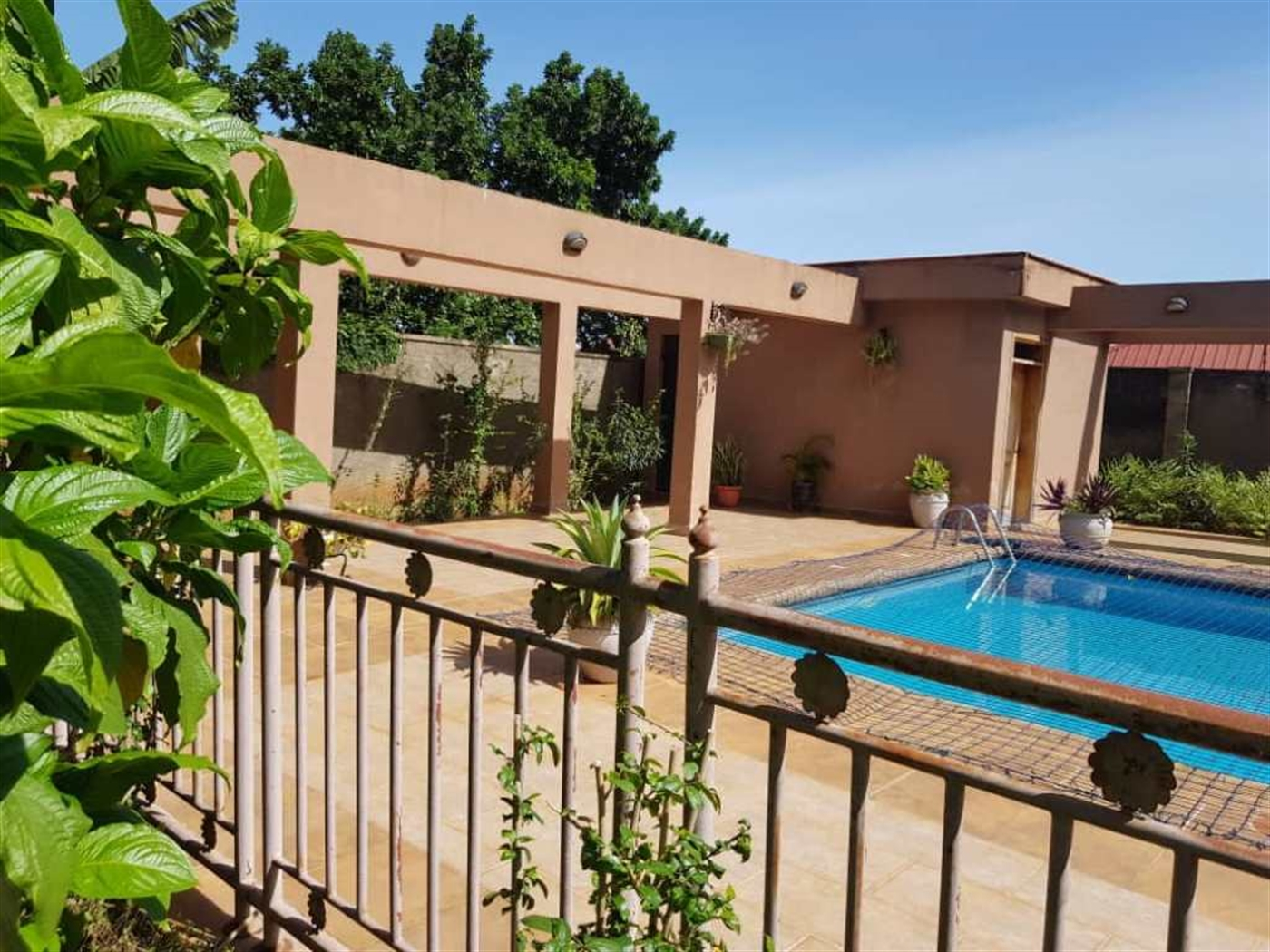 Mansion for sale in Bbunga Kampala