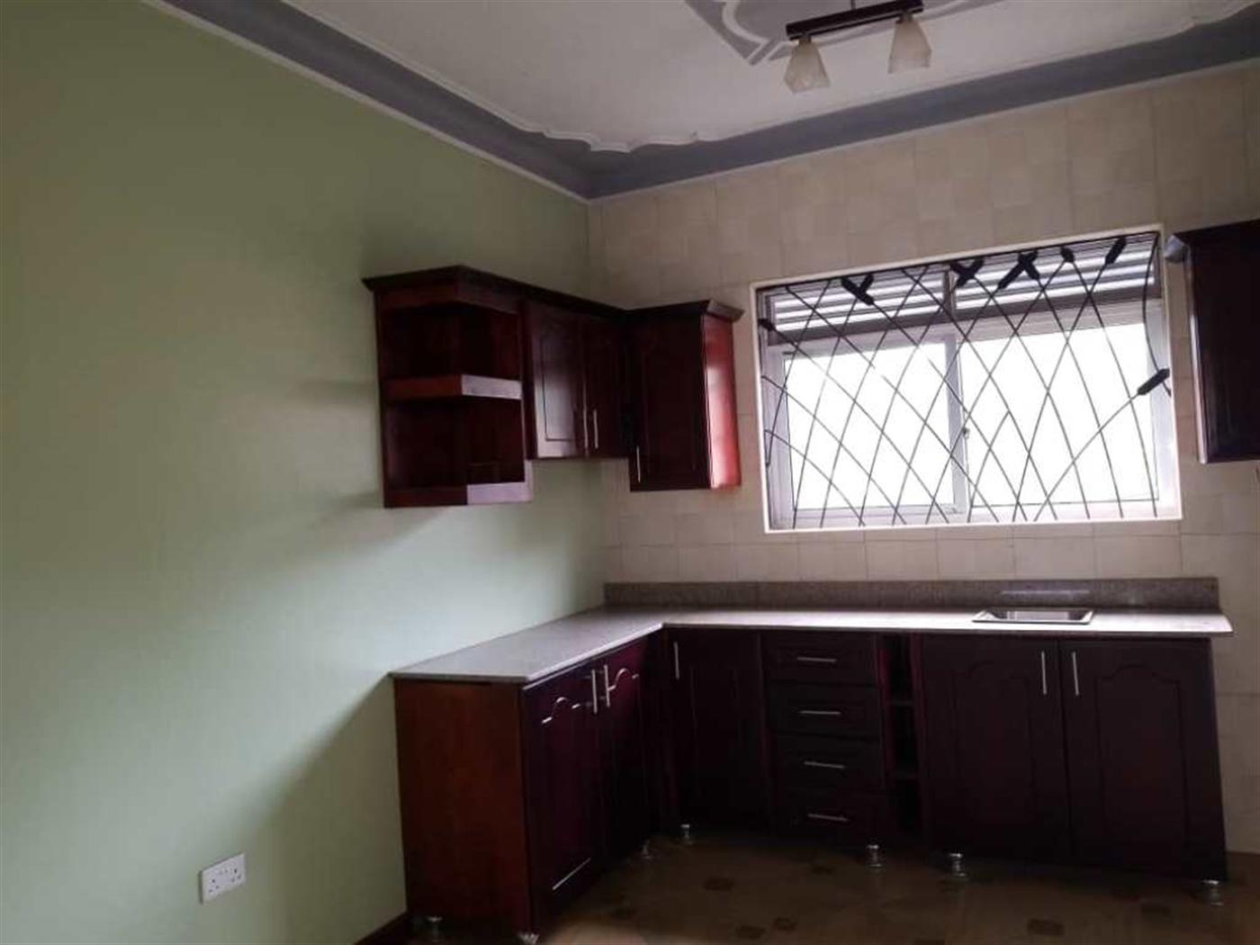 Town House for rent in Kyaliwajjara Wakiso