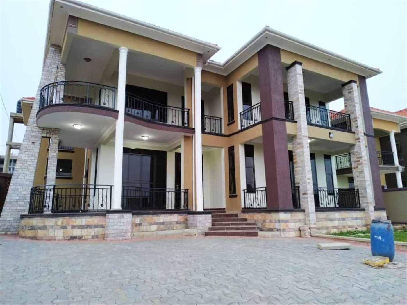 Mansion for sale in Kiira Kampala