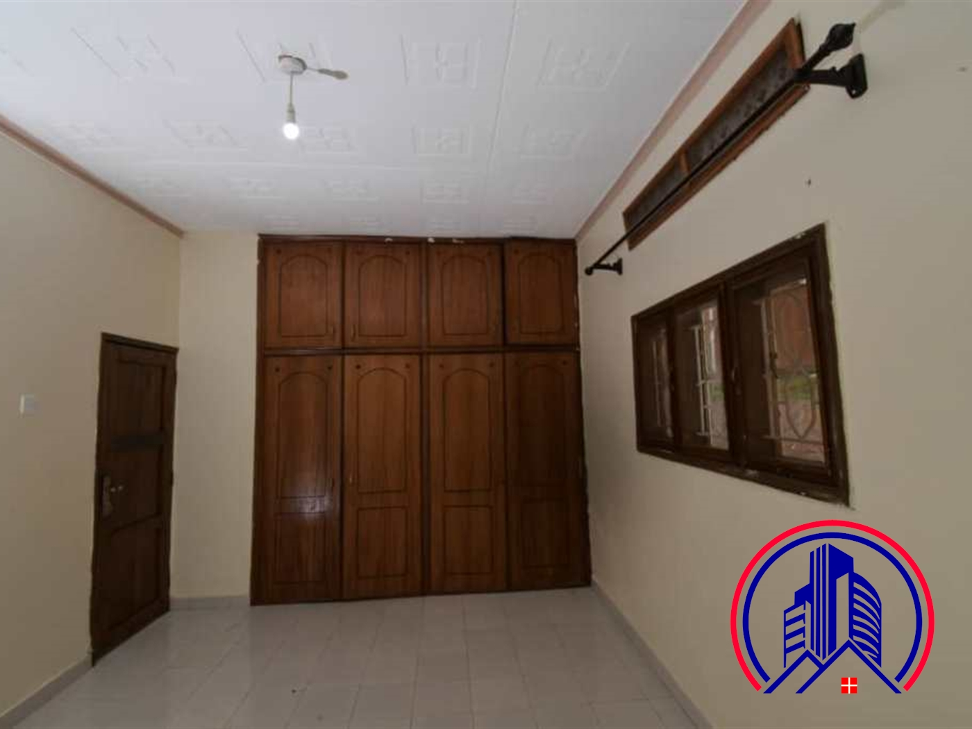 Mansion for rent in Seguku Wakiso