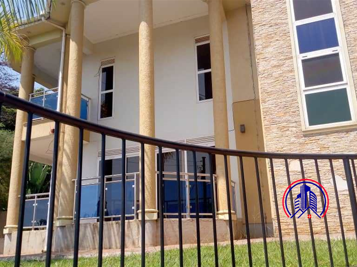 Mansion for rent in Makidye Kampala
