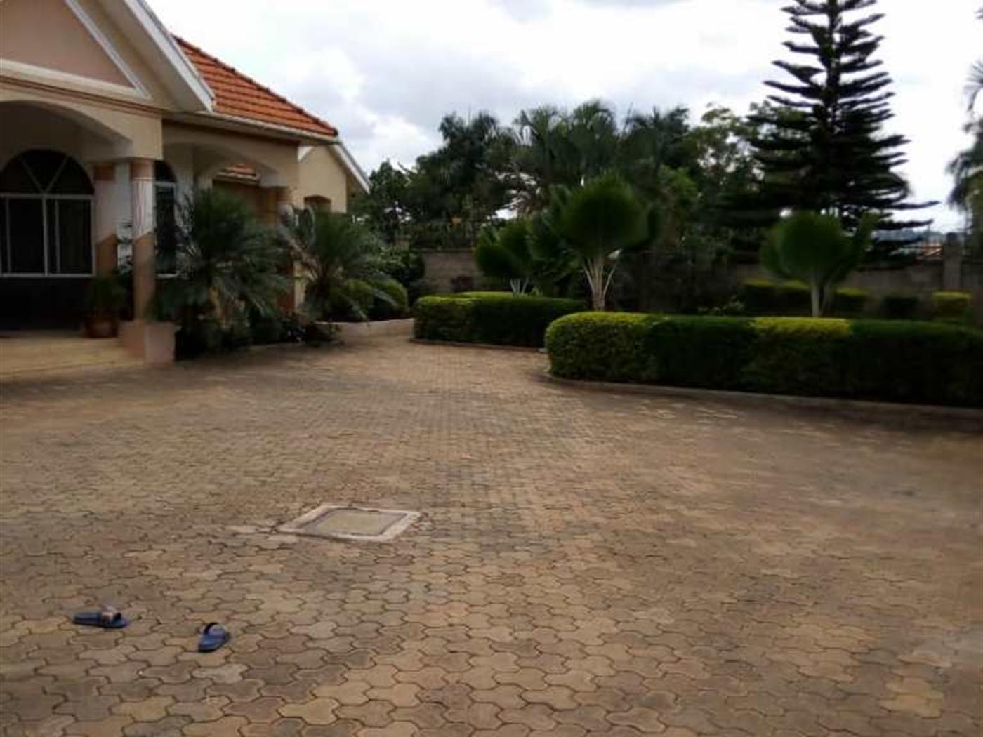 Bungalow for sale in Bunga Kampala