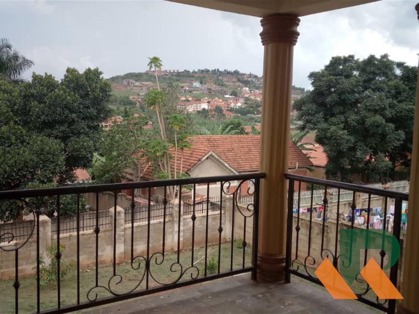 Maisonette for rent in Lweza Wakiso