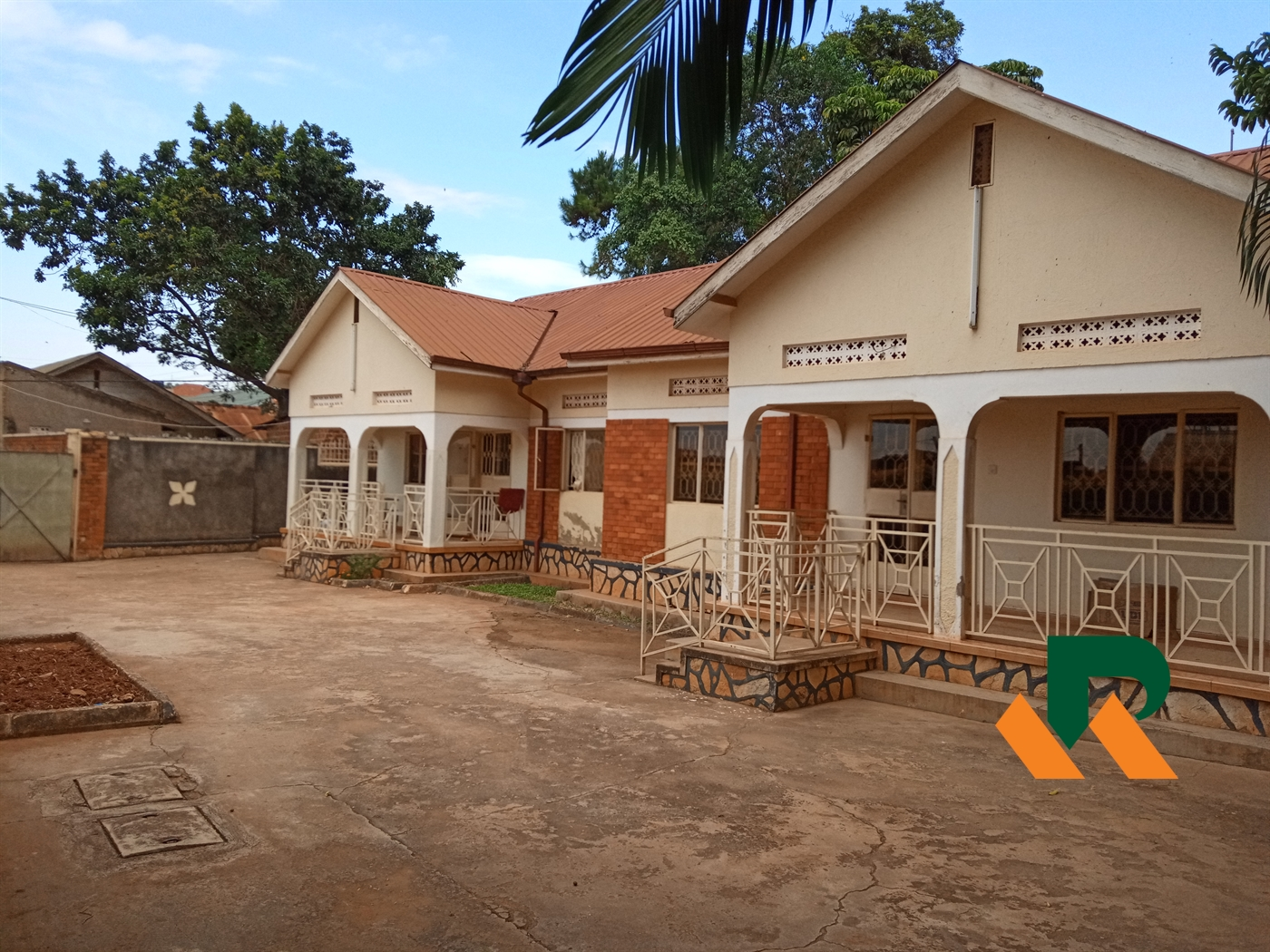 Semi Detached for sale in Kamwokya Kampala