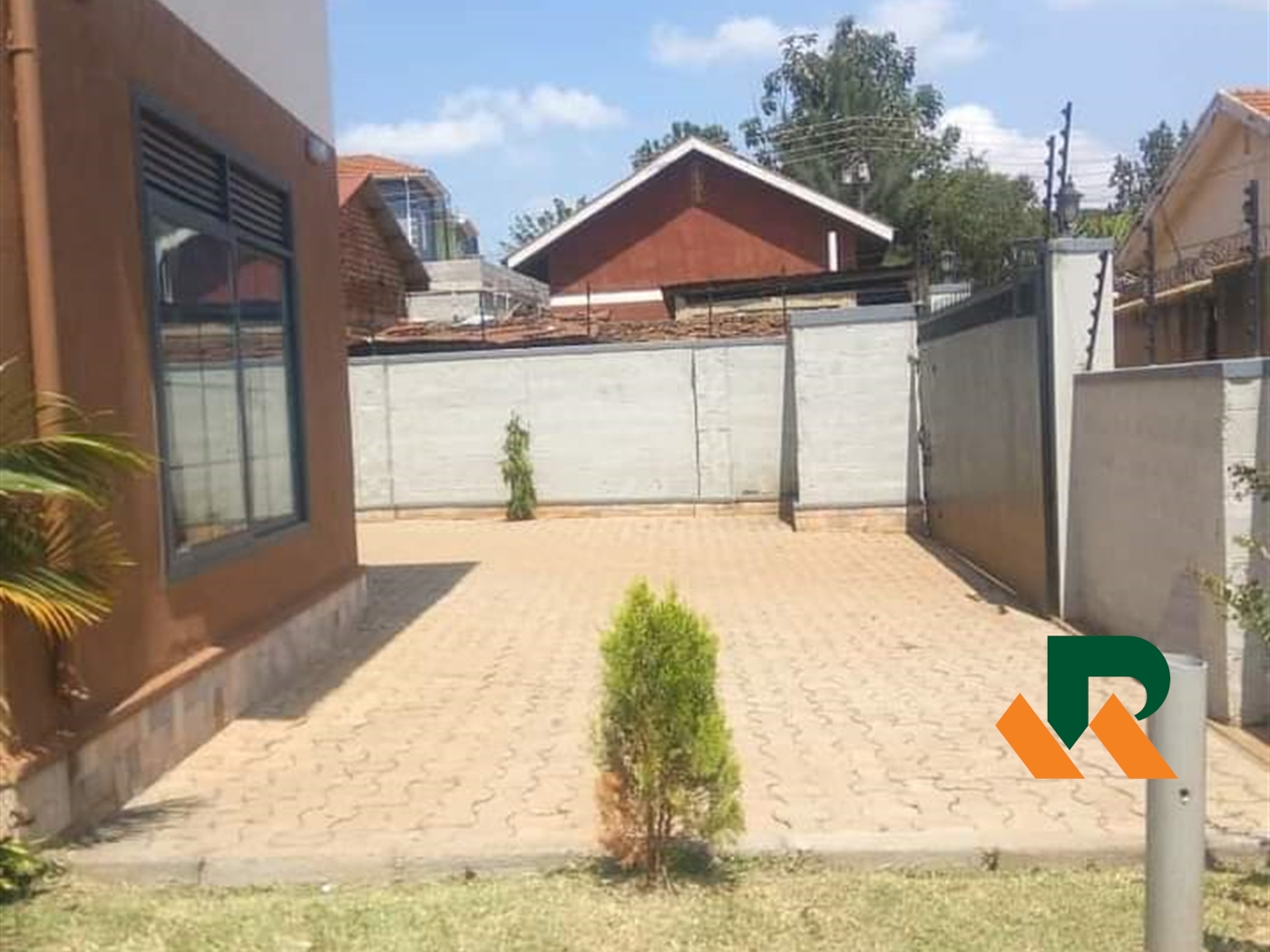 Maisonette for sale in Kiwatule Kampala
