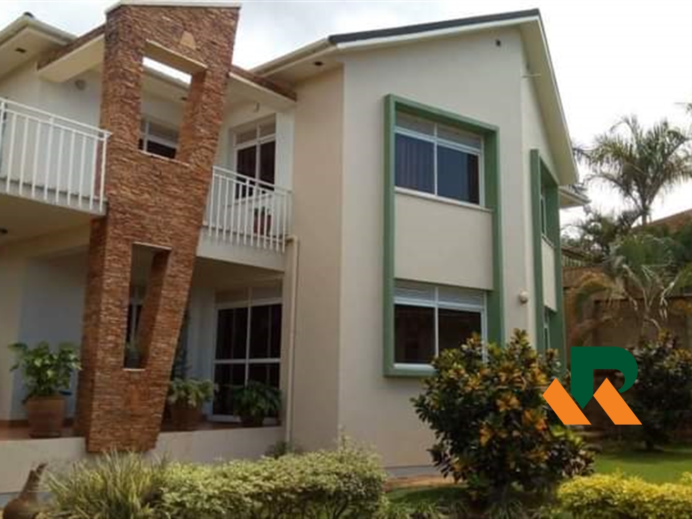 Storyed house for sale in Lubowa Wakiso