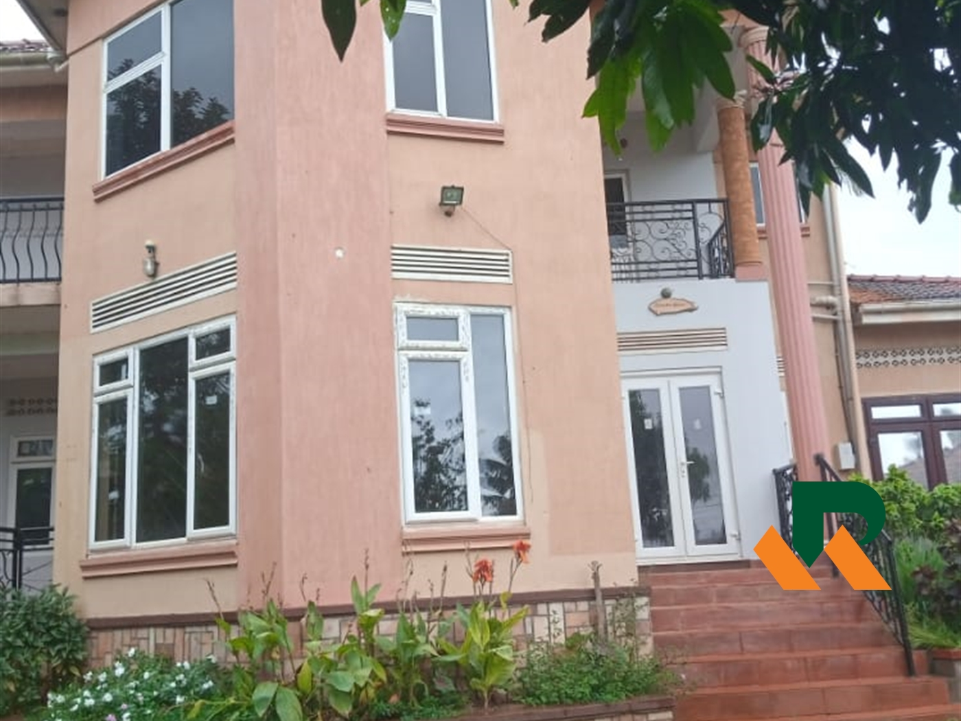 Storyed house for rent in Muyenga Kampala
