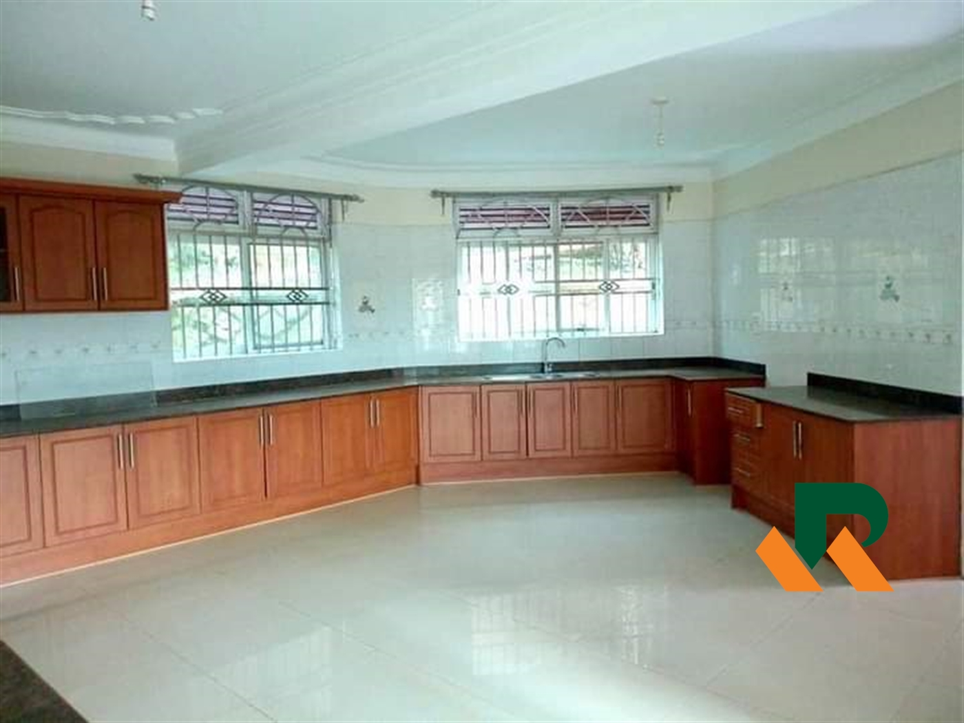 Storeyed house for rent in Lubowa Wakiso