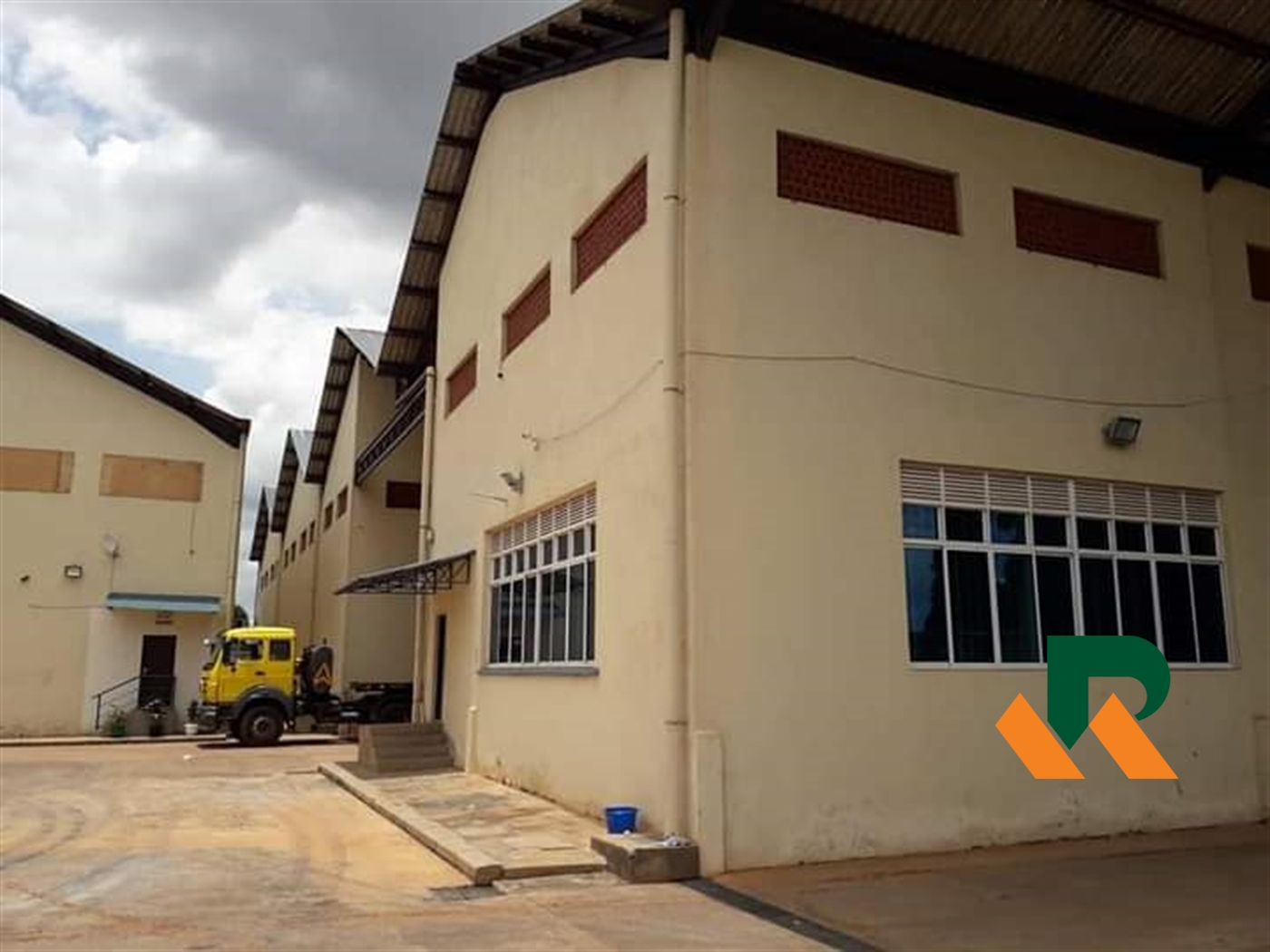 Warehouse for rent in Komamboga Wakiso