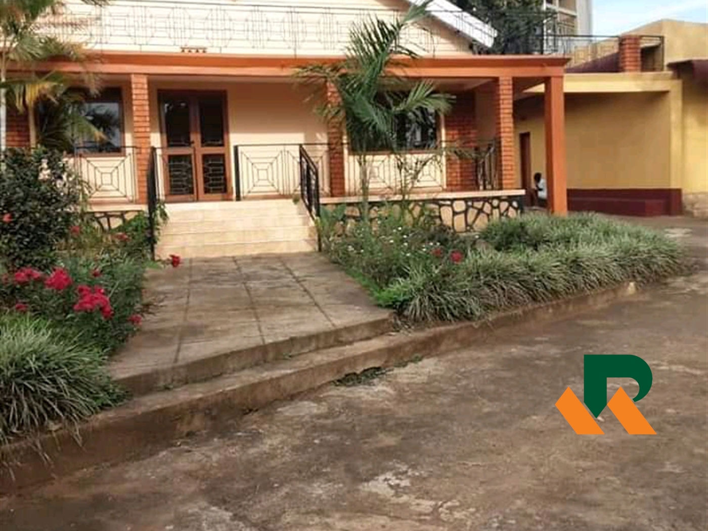 Bungalow for rent in Bukoto Kampala