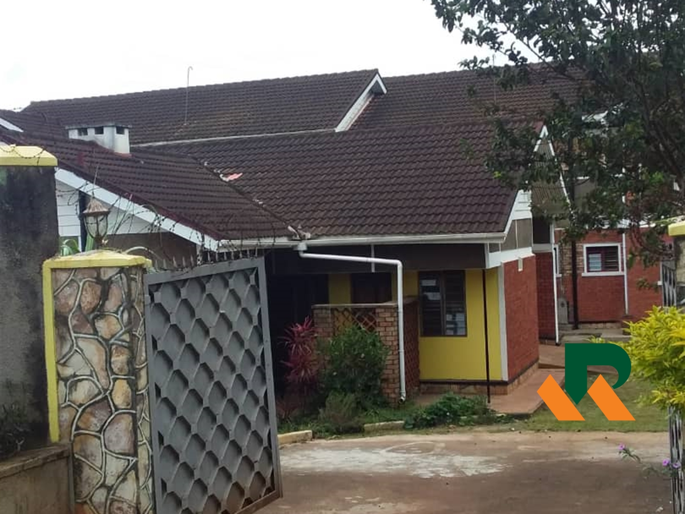 Storyed house for rent in Luzira Kampala