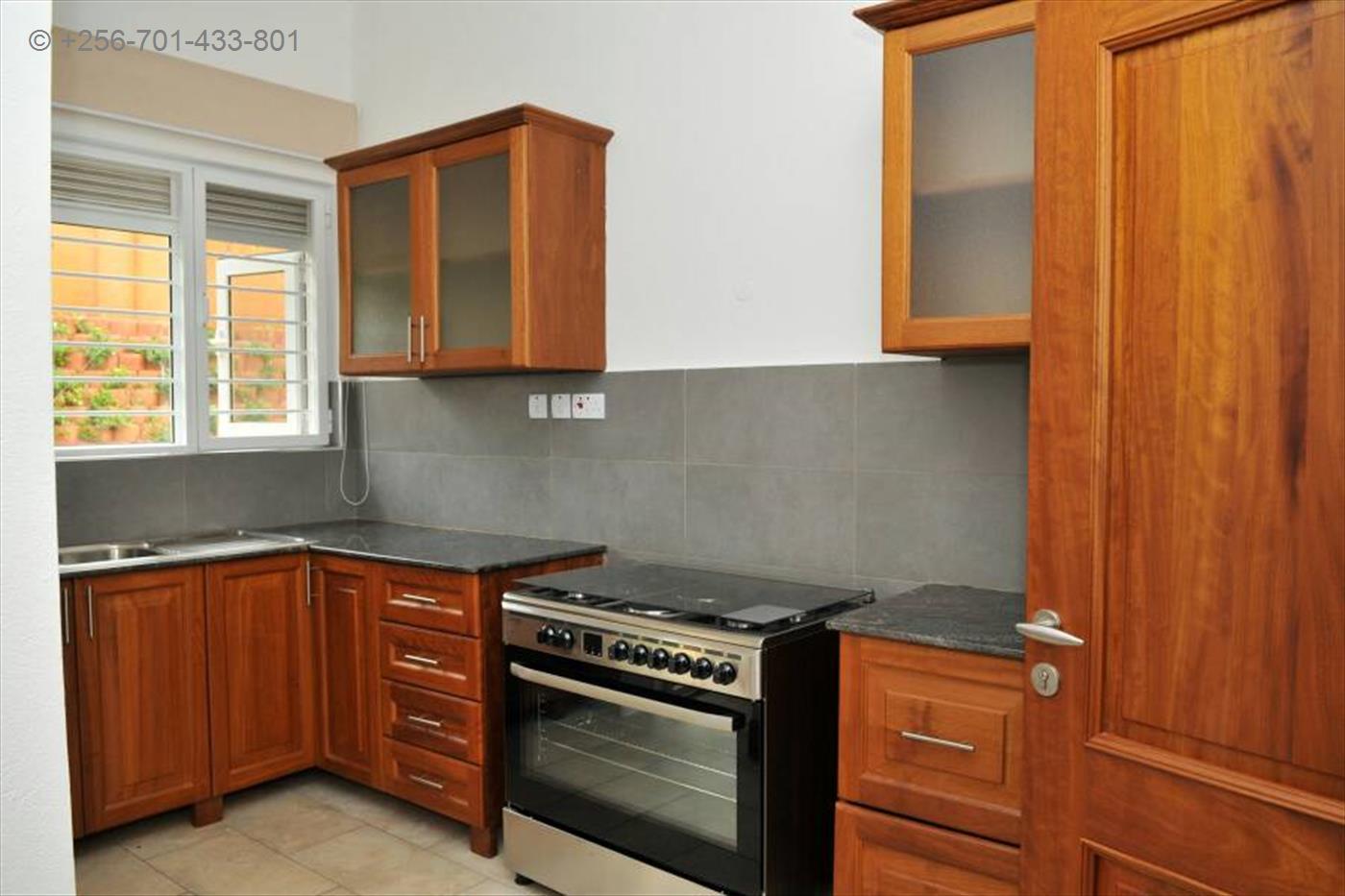 Storyed house for rent in Bwebajja Wakiso