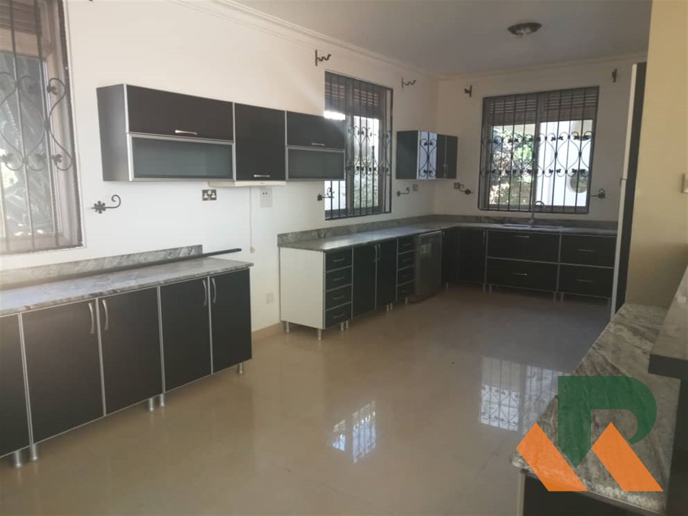 Maisonette for rent in Luzira Kampala