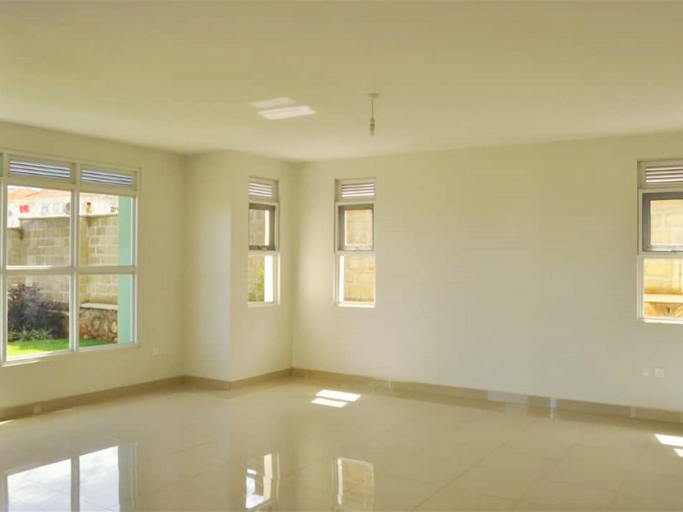 Villa for sale in Lubowa Kampala