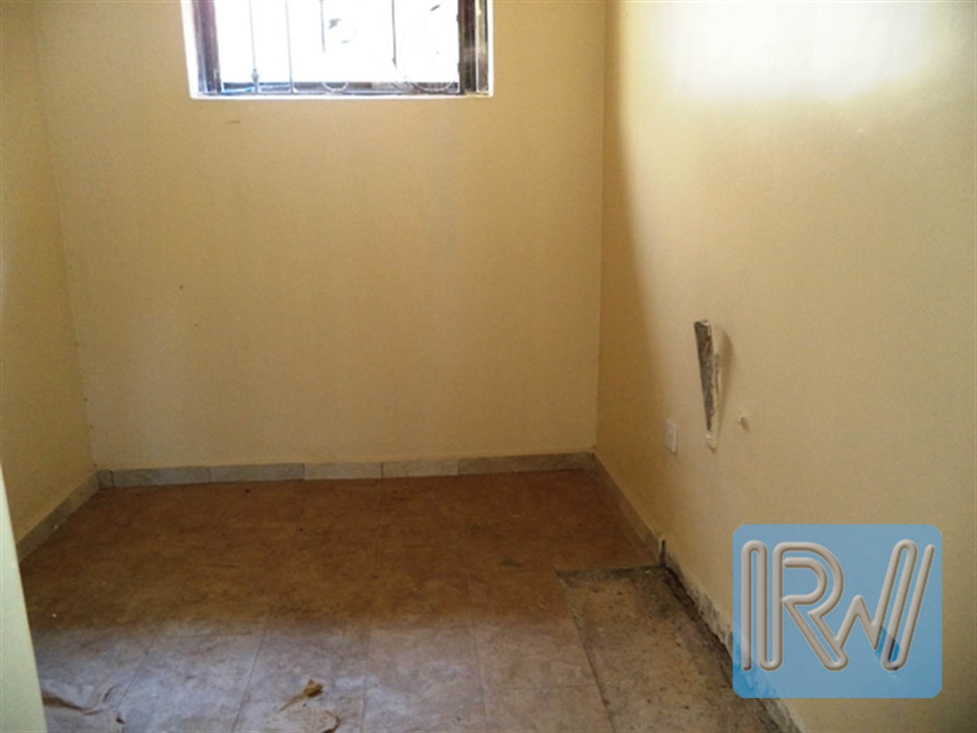 Maisonette for rent in Lweza Wakiso