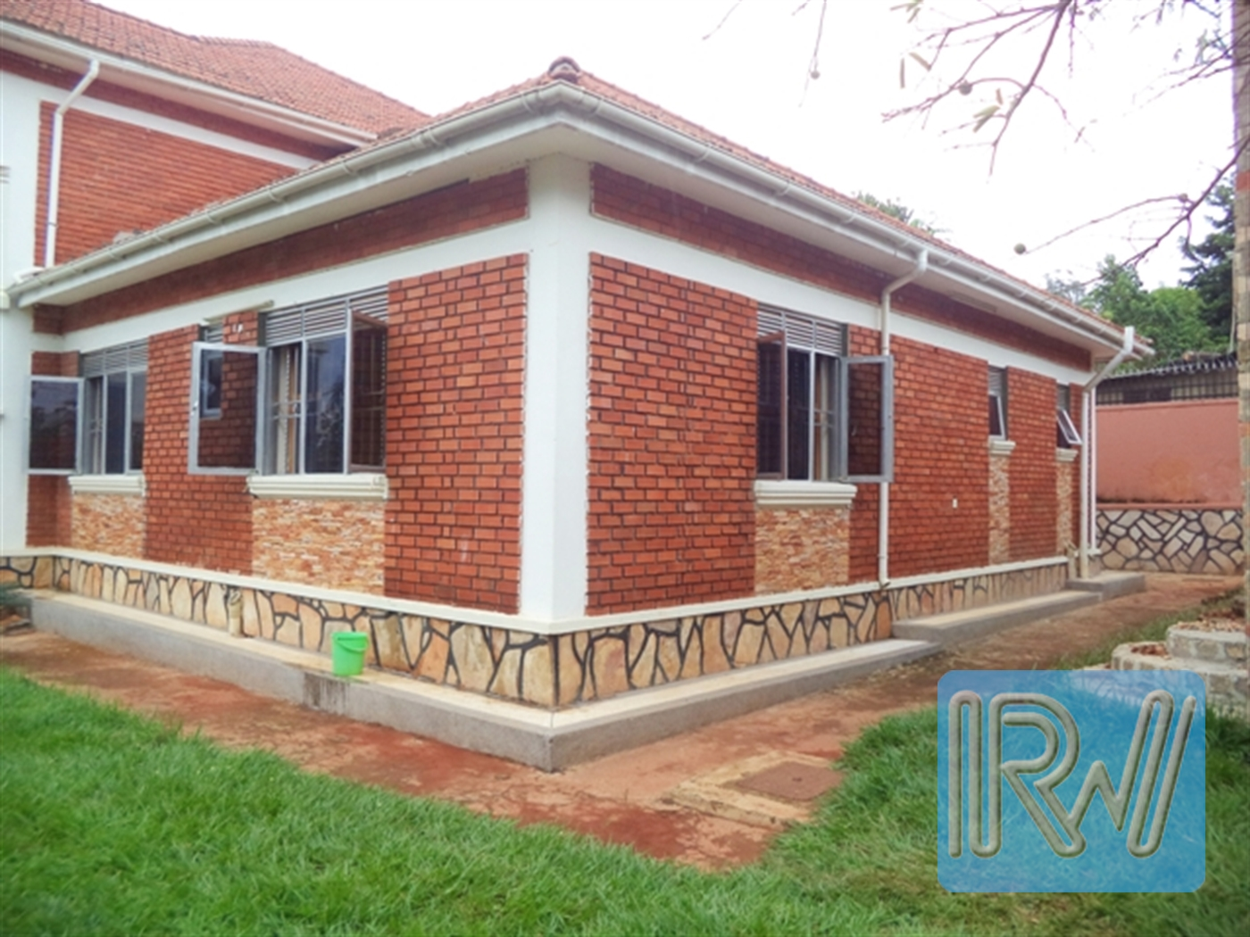 Mansion for rent in Entebbe Wakiso