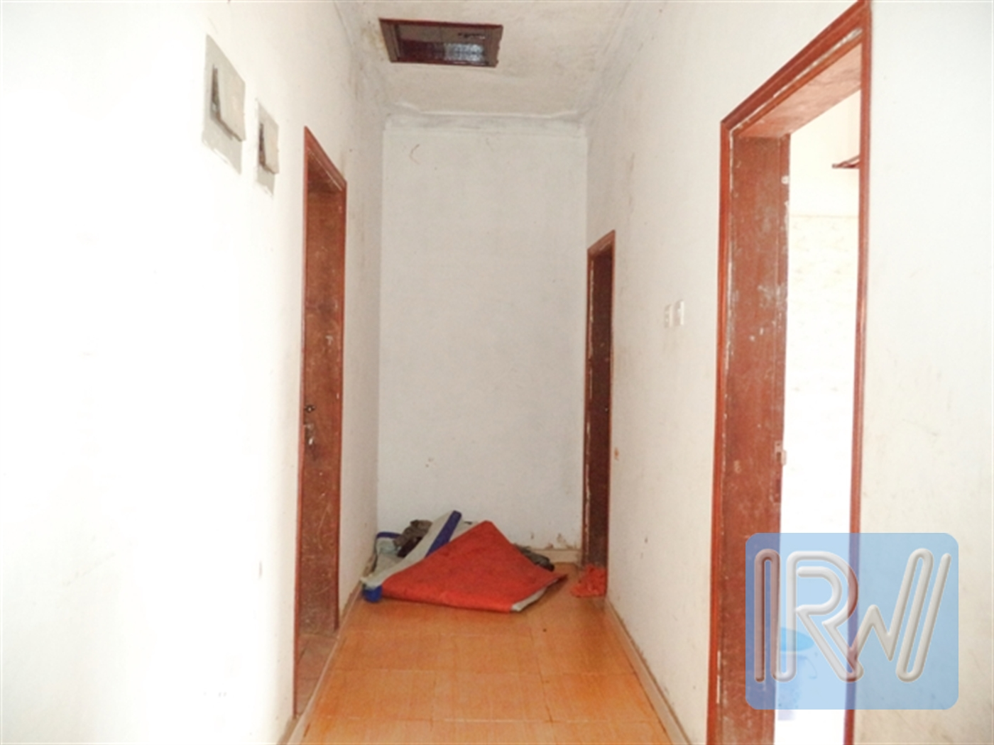 Corridor (Hallway)