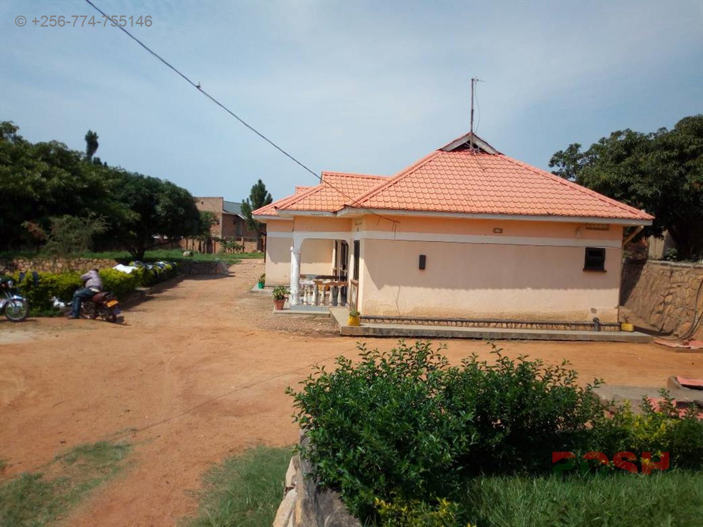 Bungalow for sale in Kigo Wakiso