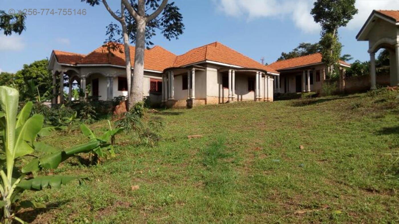 3 bedroom shell house for sale in buyala wakiso code 20827