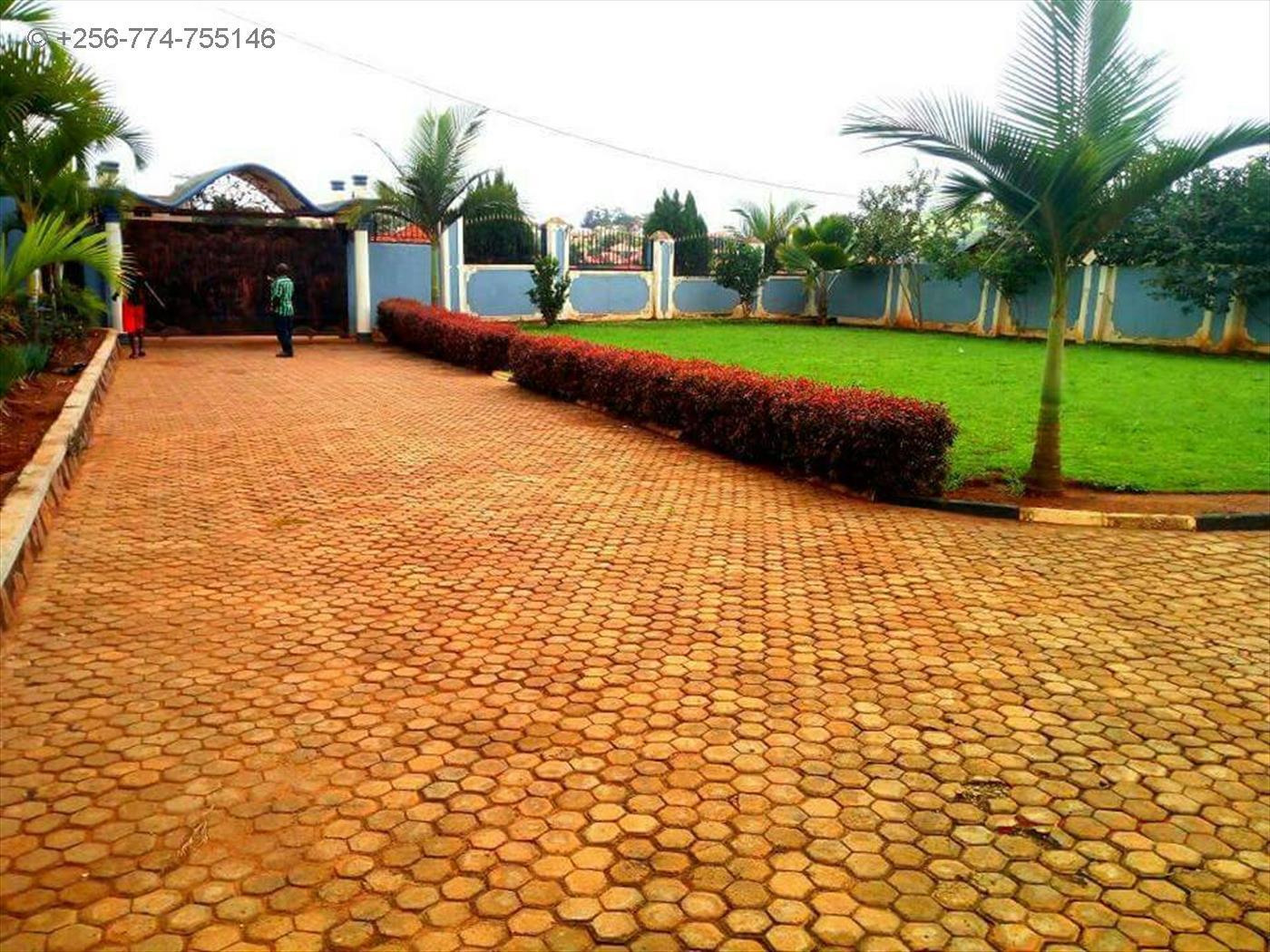 Mansion for sale in Nalumunye Wakiso
