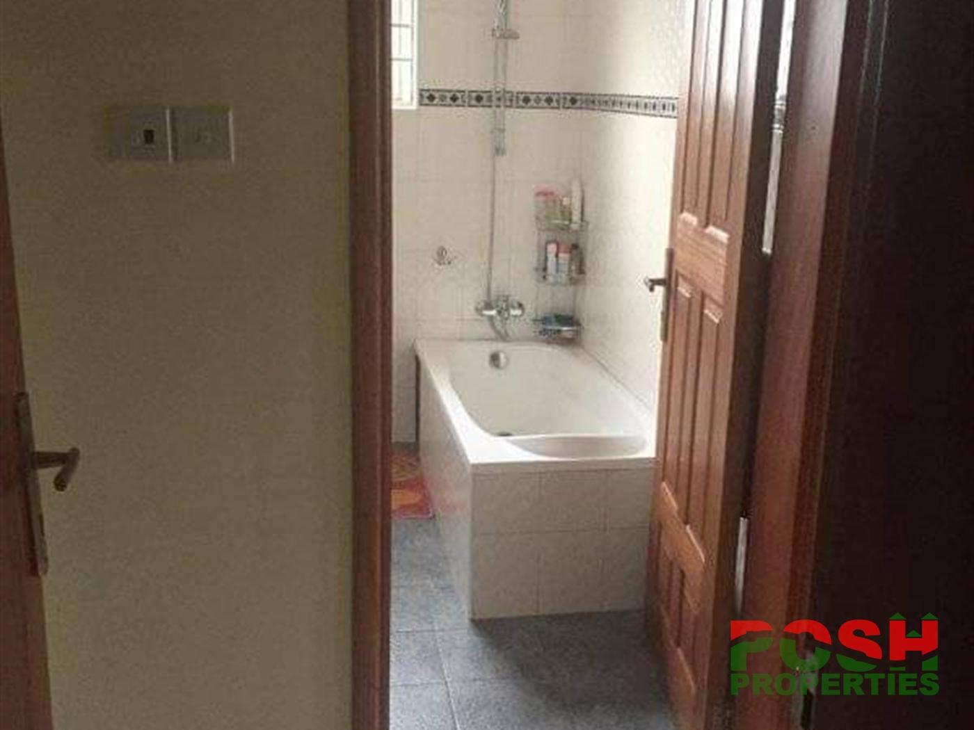 Mansion for rent in Nalya Wakiso
