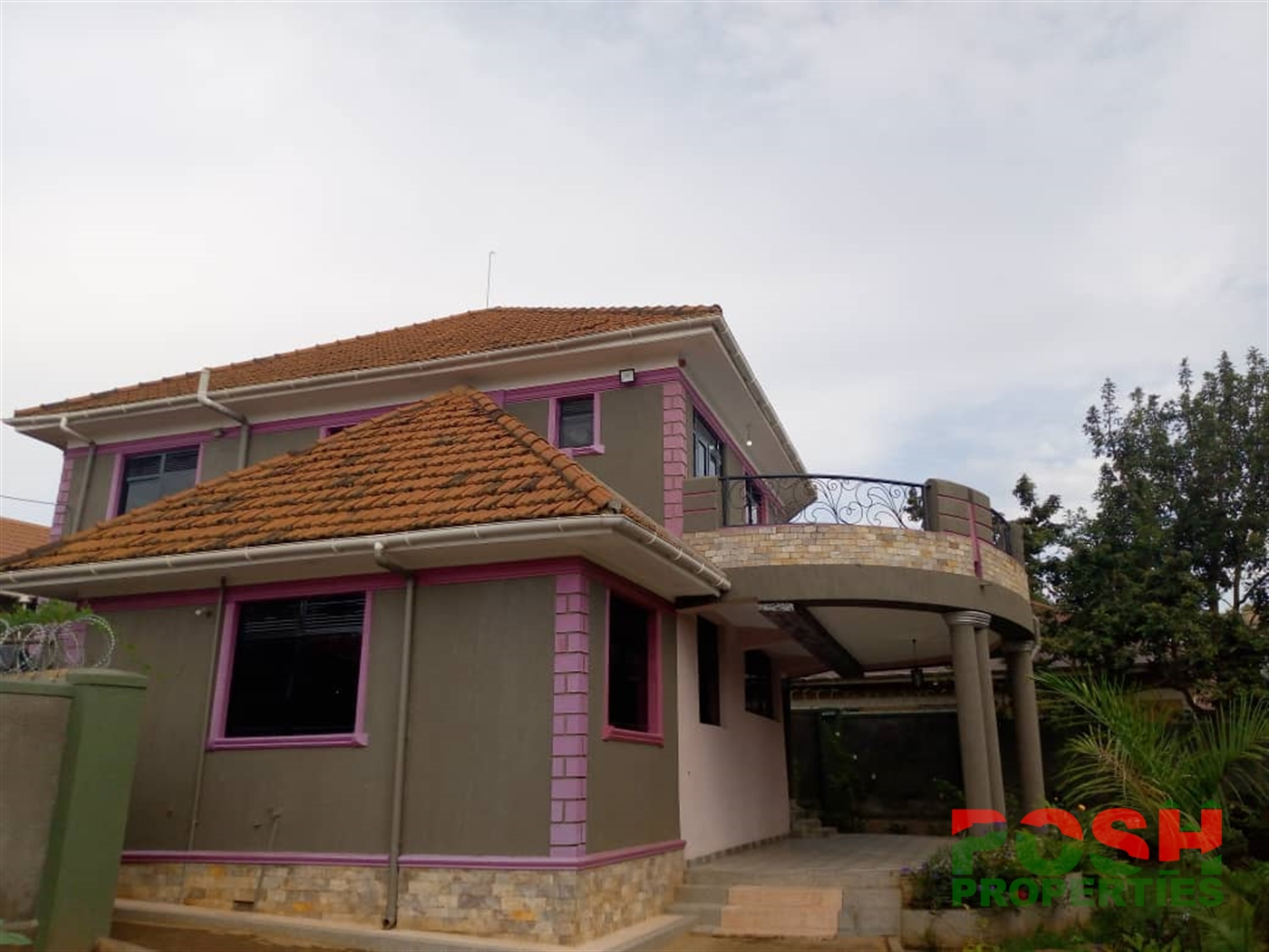 Mansion for rent in Sseguku Wakiso