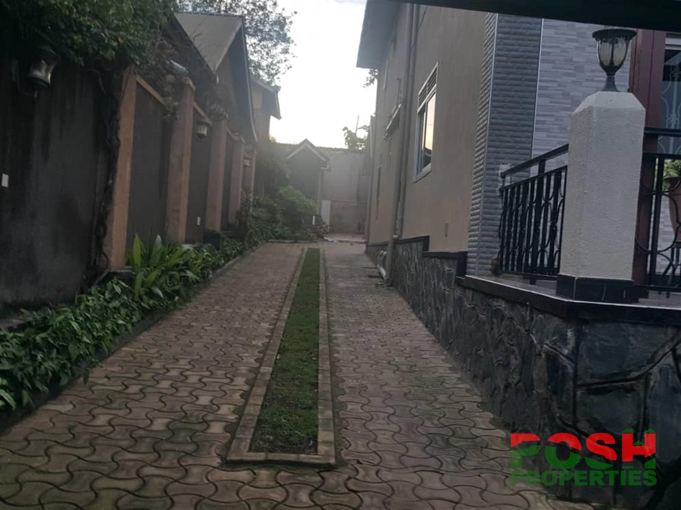 Mansion for rent in Muyenga Wakiso