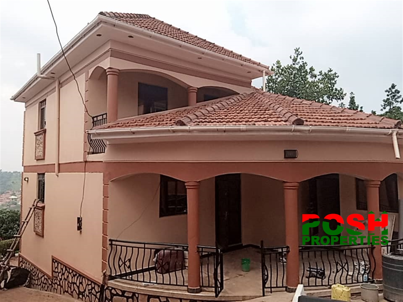 Mansion for sale in Sseguku Wakiso