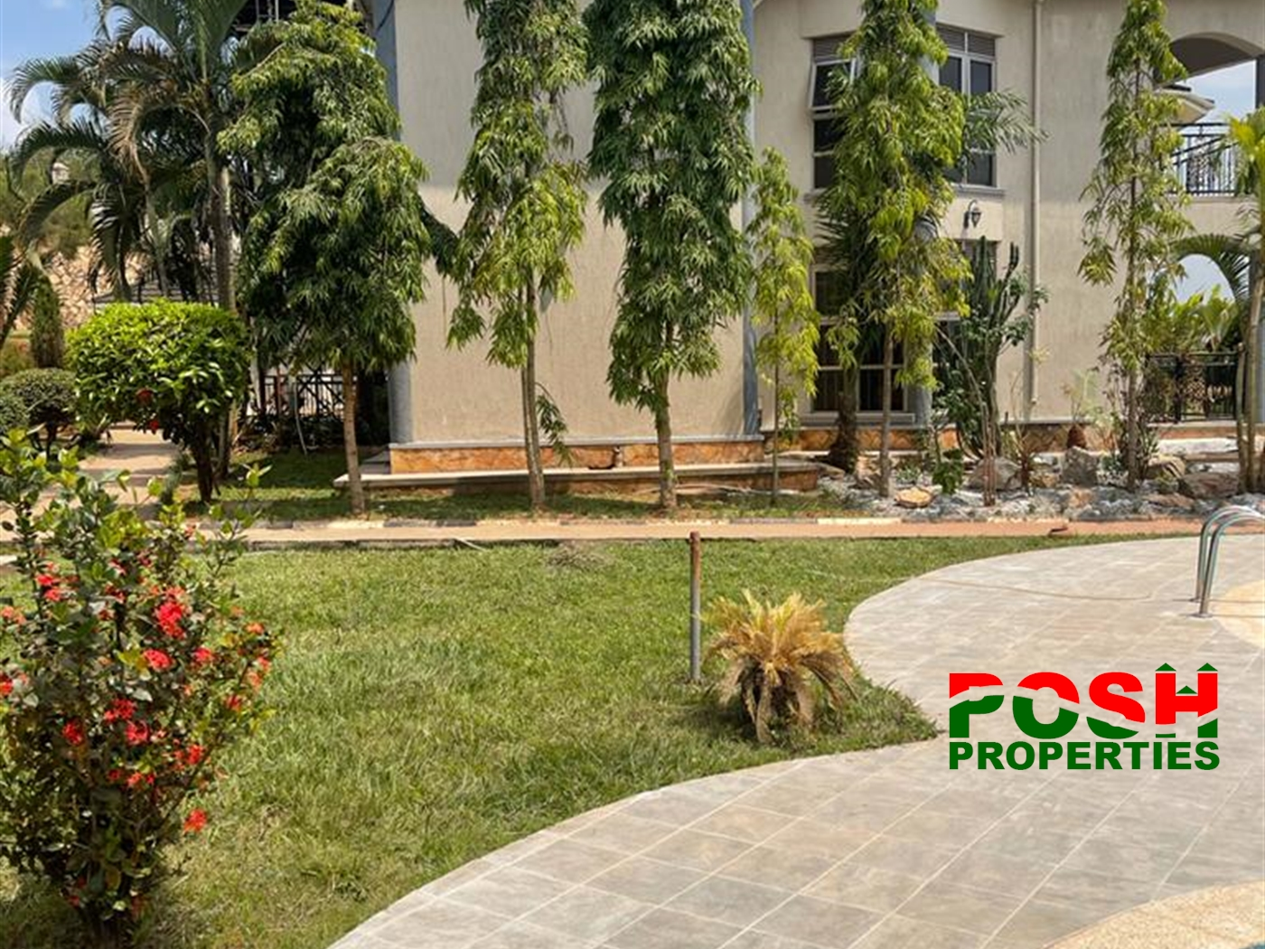 Storeyed house for sale in Mutundwe Wakiso