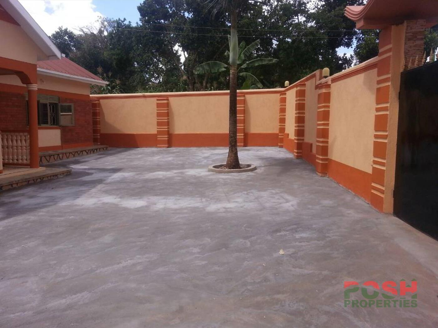 Bungalow for sale in Kyebando Wakiso