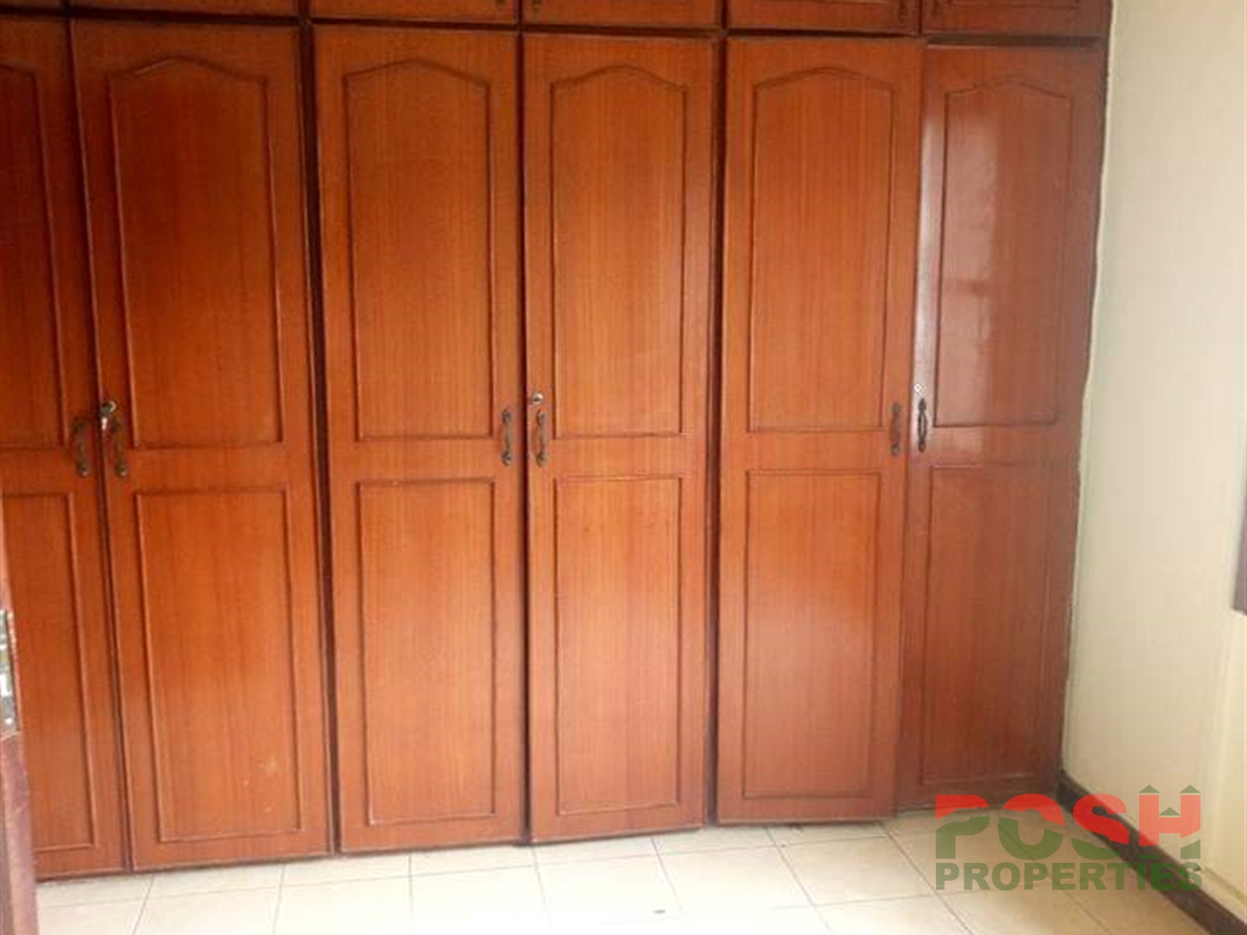 Bungalow for rent in Kamwokya Kampala