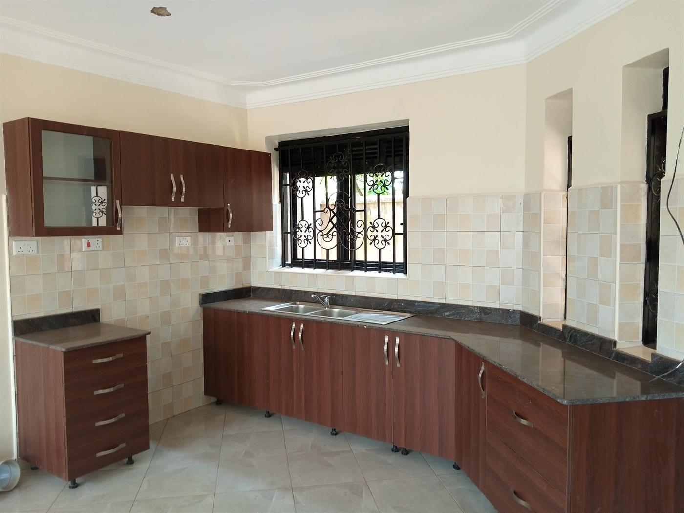 Villa for rent in Kiira Wakiso