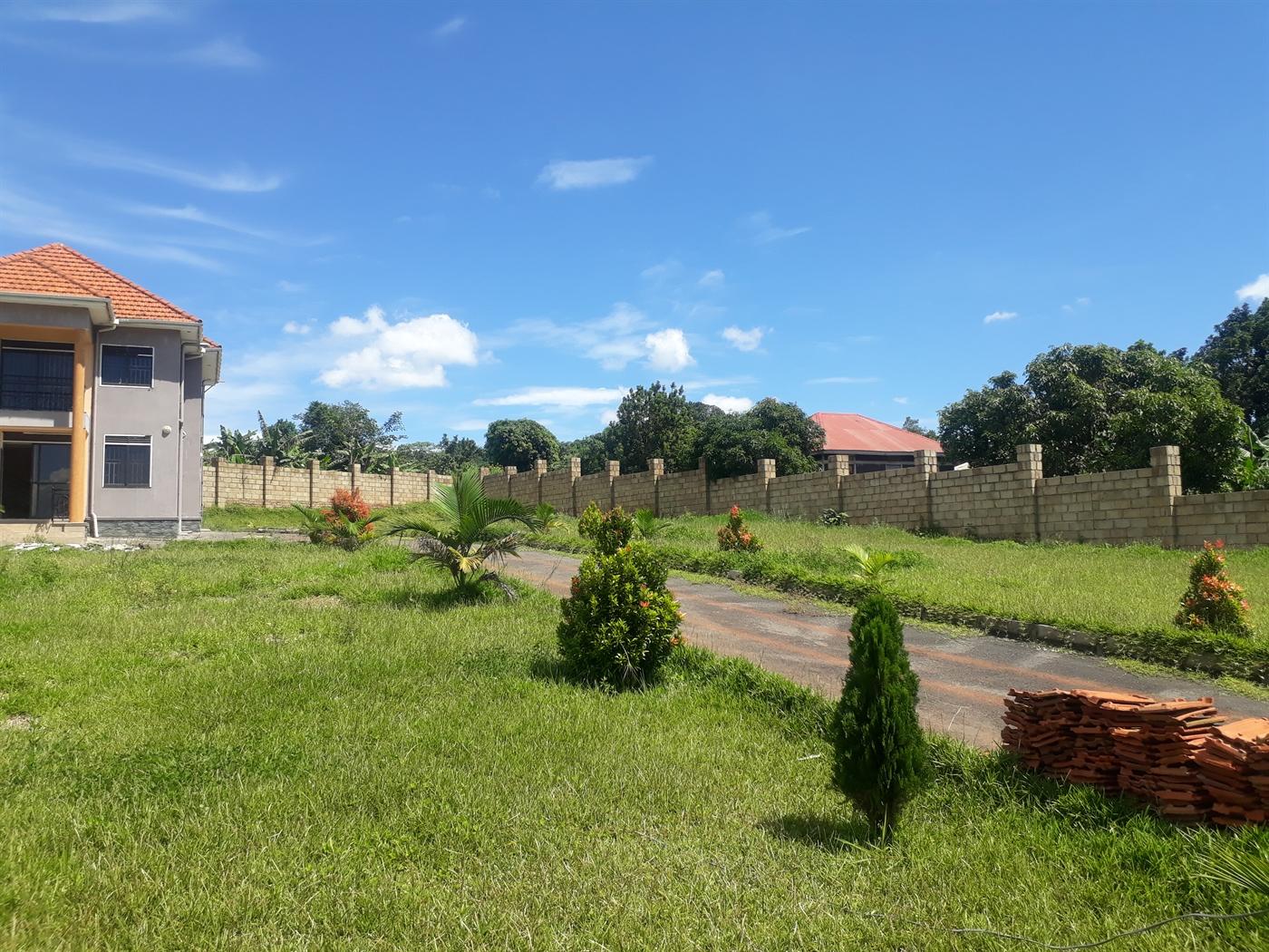 Maisonette for rent in Kitende Wakiso