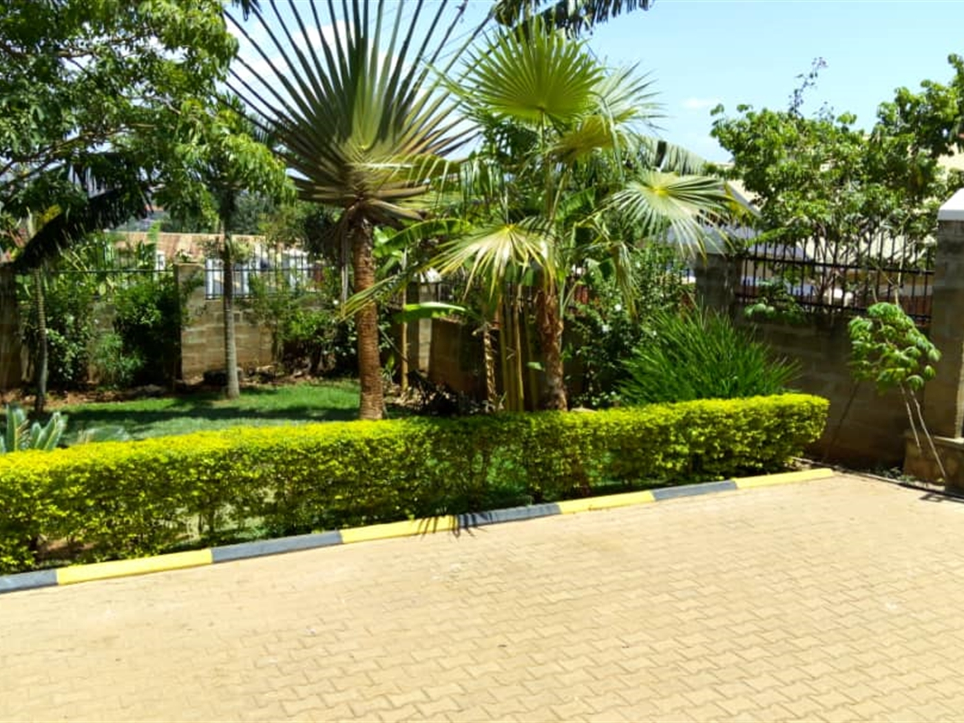 Guest House For Rent In Buziga Kampala Code 33617