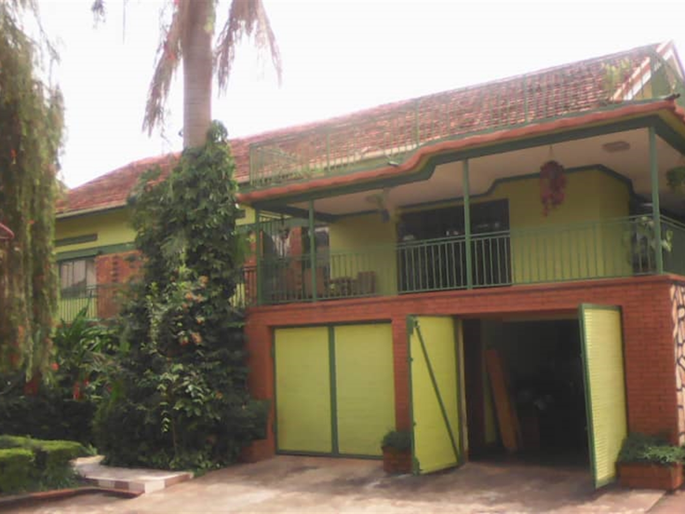Mansion for sale in Kansanga Kampala