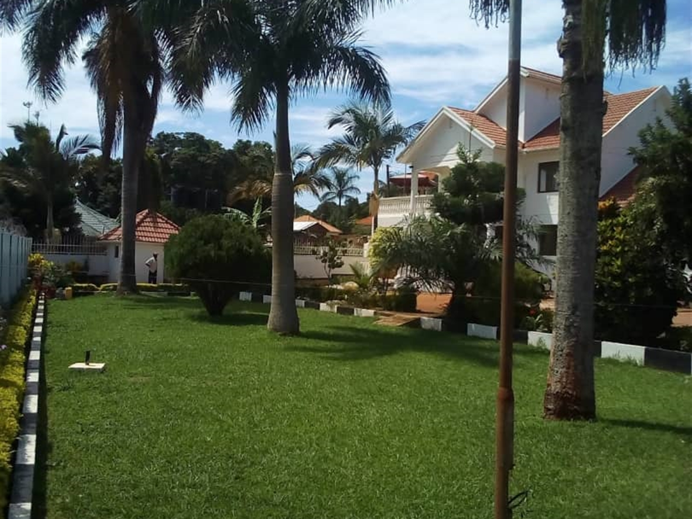 Mansion for rent in Kiwaffu Wakiso