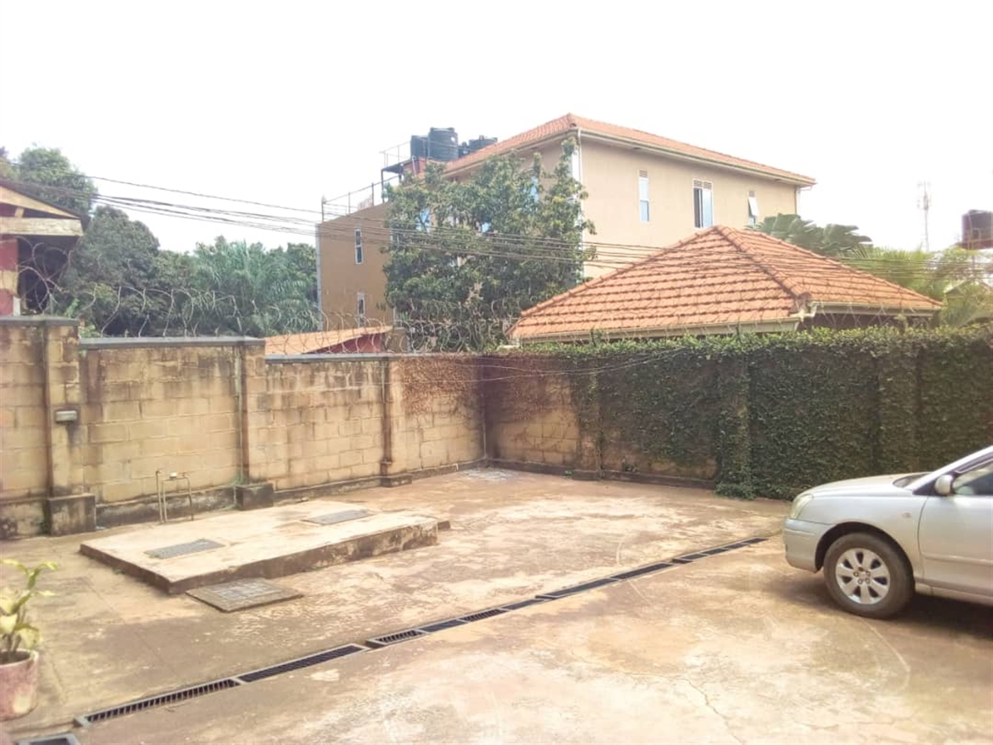 Mansion for sale in Kikoni Kampala