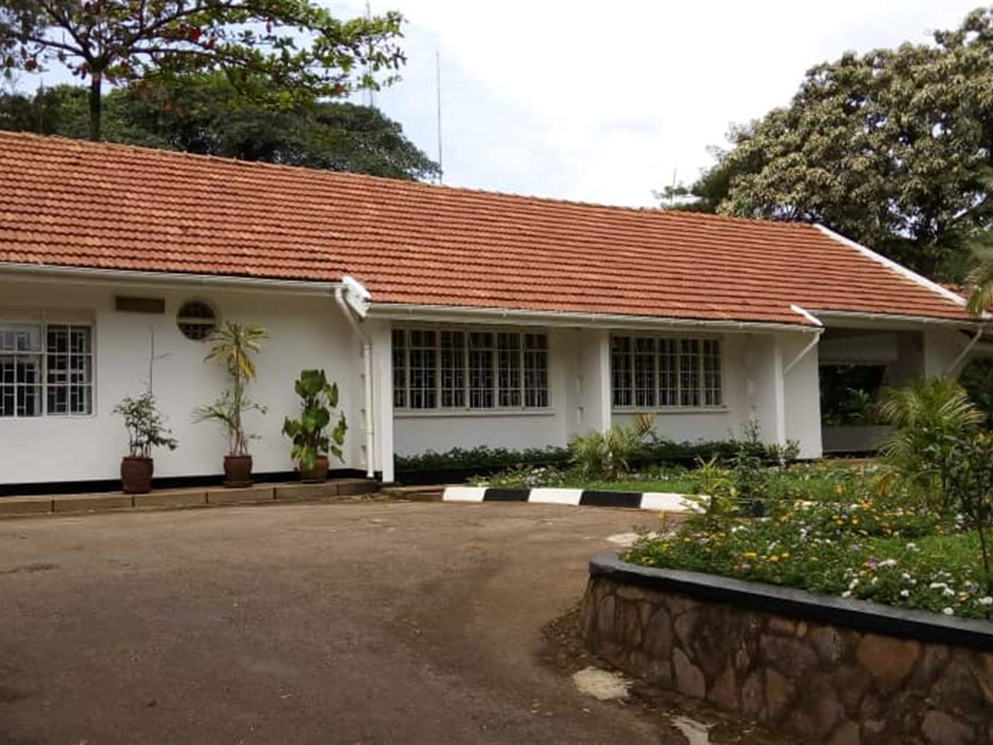 Bungalow for rent in Naguru Wakiso