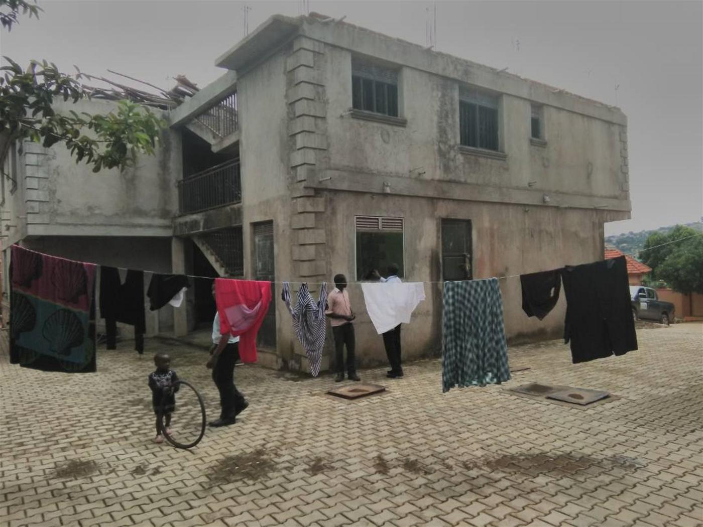 Mansion for sale in Kyengera Masaka