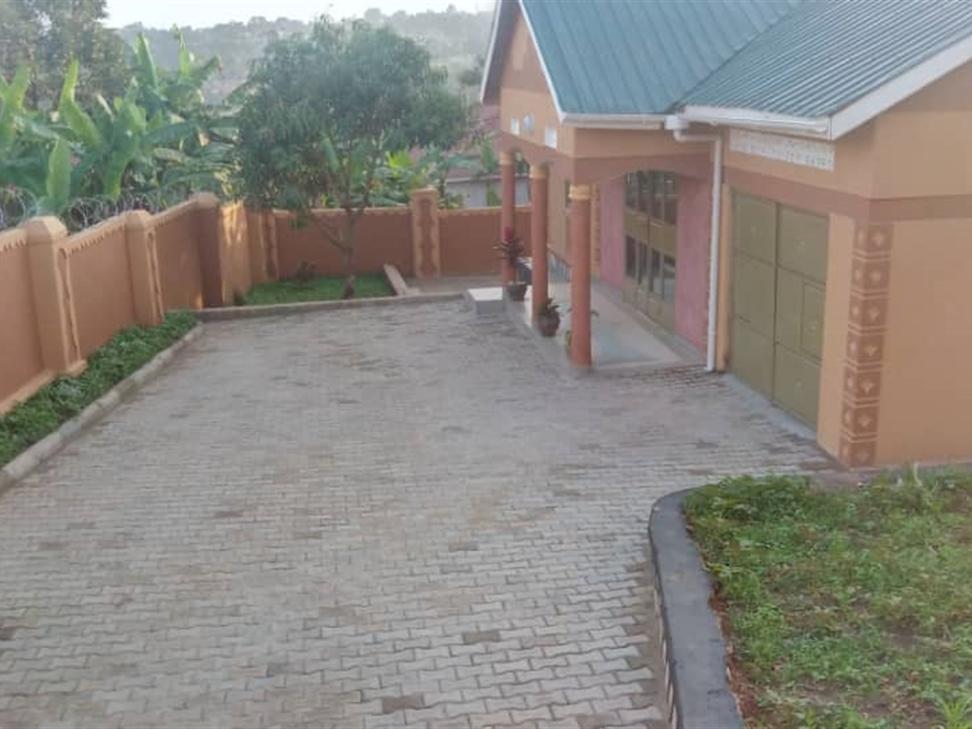 Bungalow for sale in Kyabando Wakiso