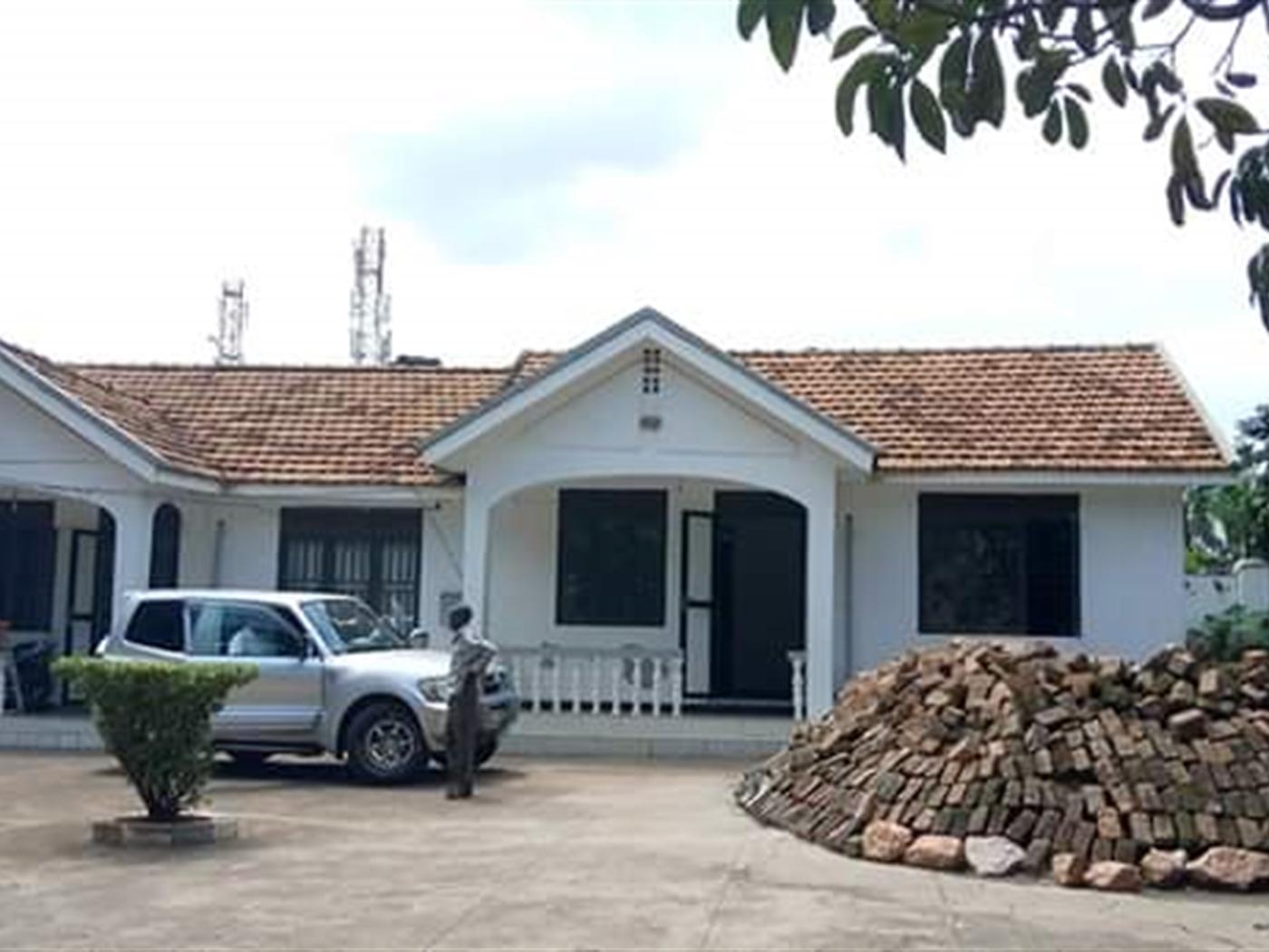 Bungalow for sale in Kisugu Kampala